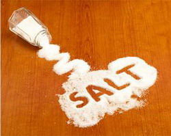 atasi wc mampet dengan garam